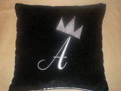 подушки с вышивкой