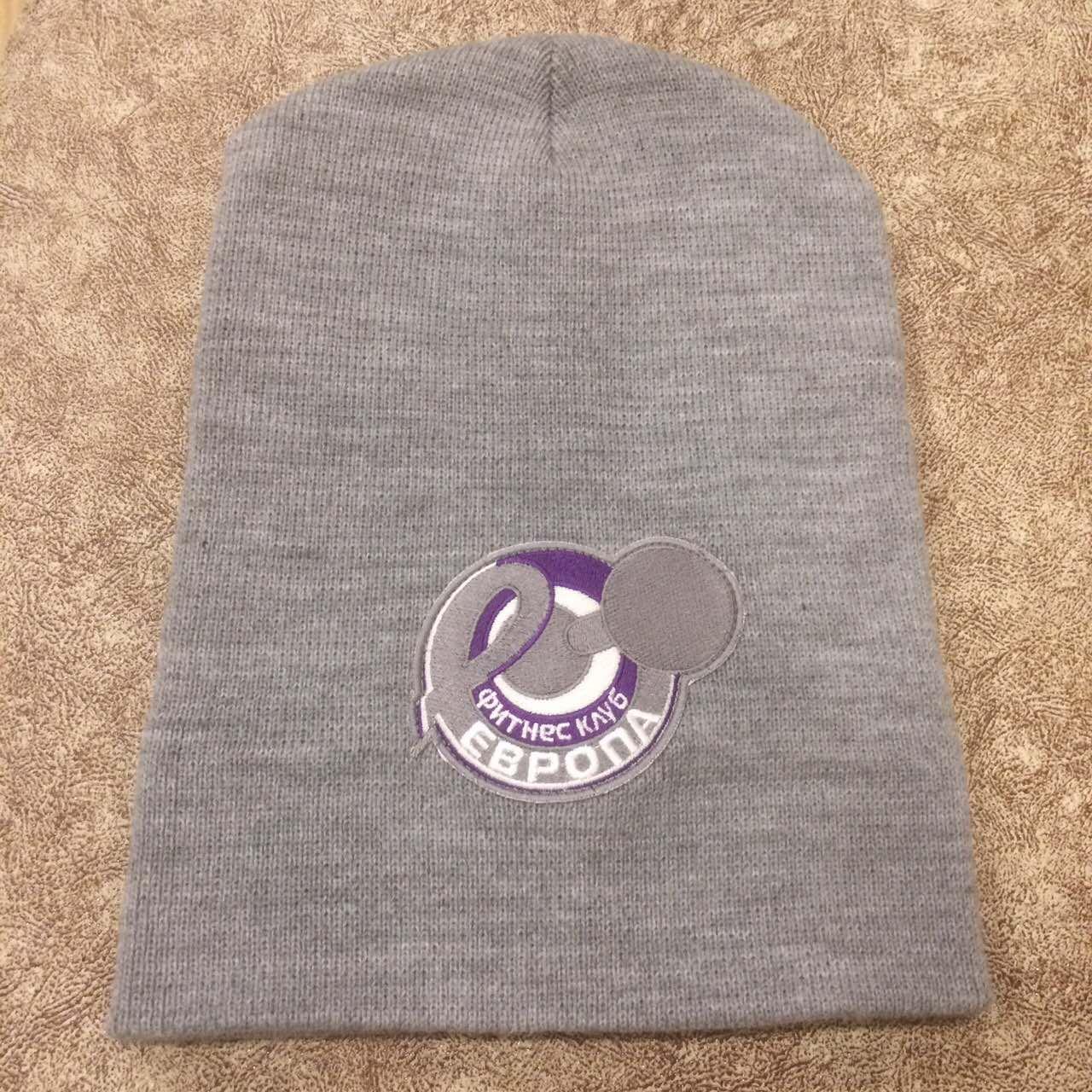 Вышивка на заказ на шапке