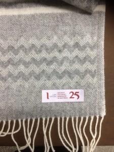 Вышивка на шарфе
