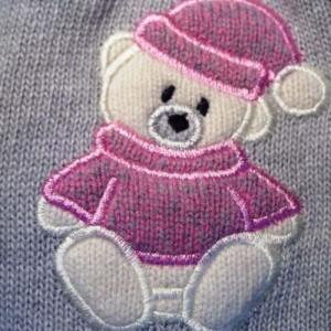Вышивка на вязаной детской одежде