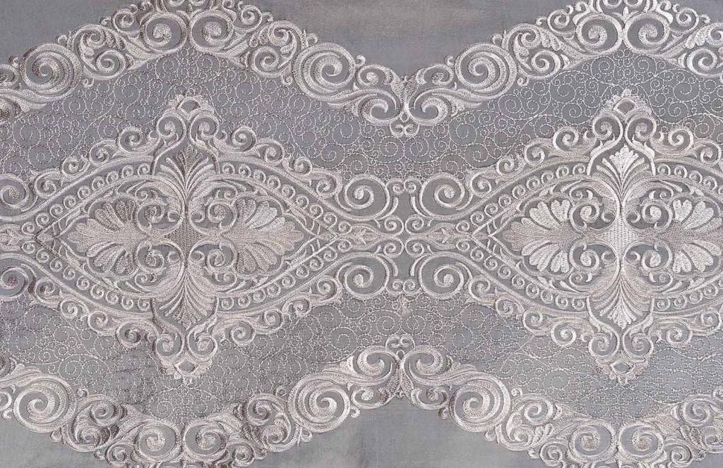 серебряная вышивка